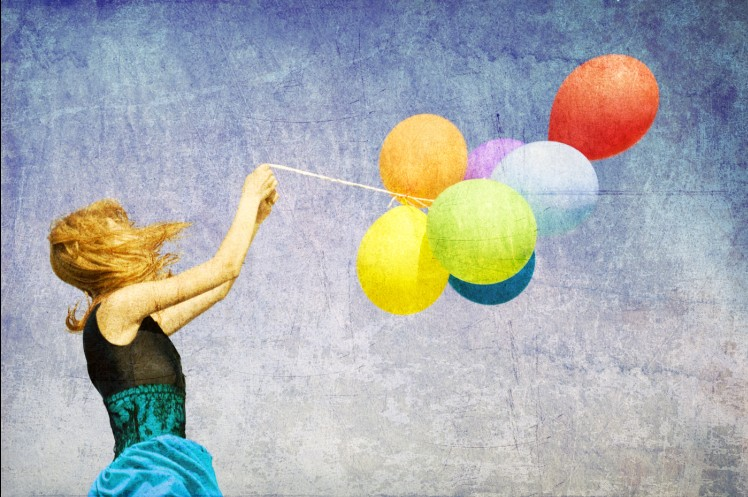 Nostalgic Girl and Colorful Balloons HQ Celebrity Pictures